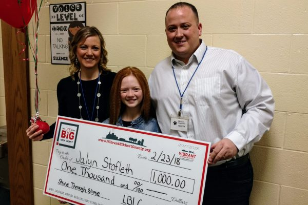 Jalyn Stofleth (center) won a Little BIG Idea Grant for her Shine Through Slime project.