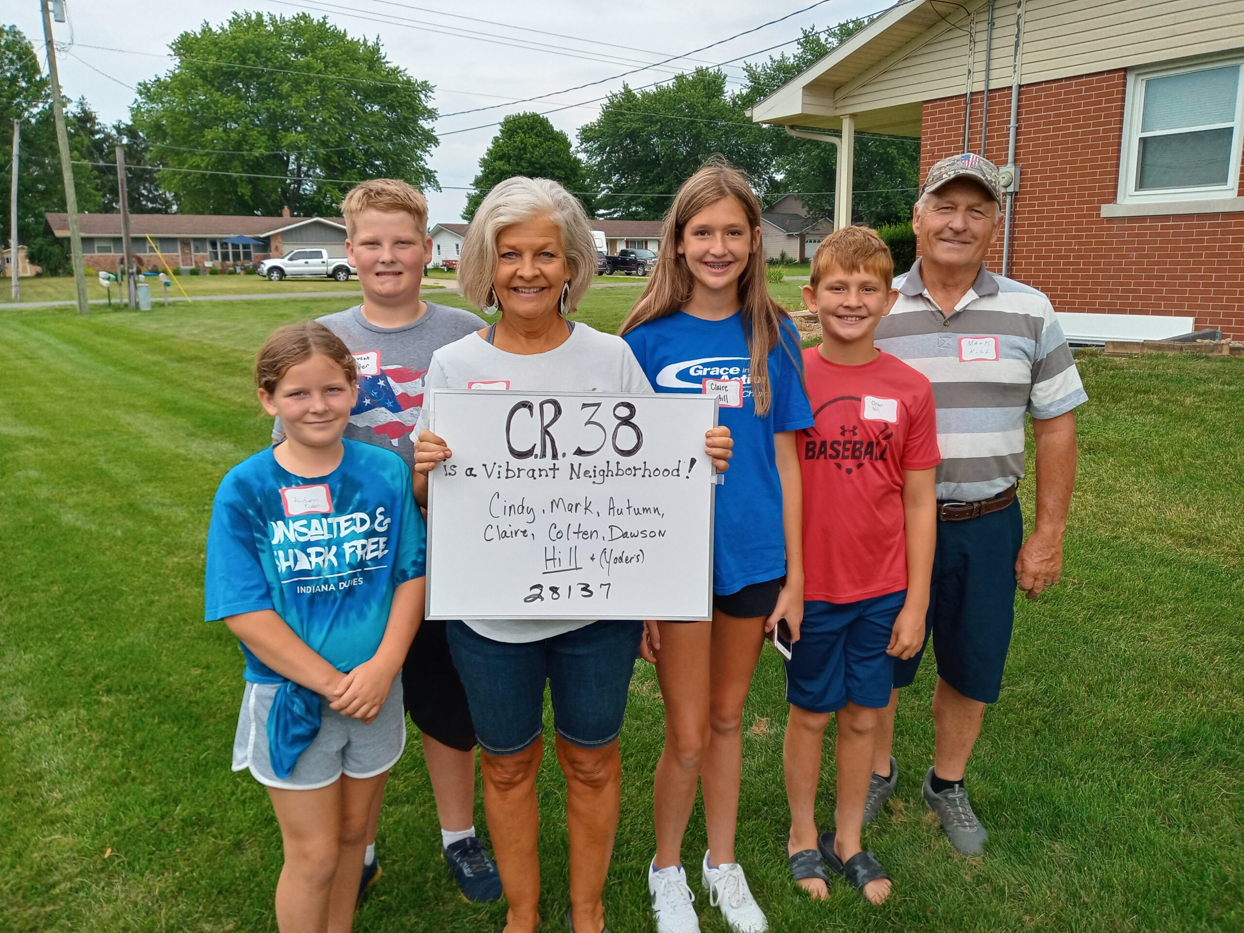 Wakarusa neighborhood forges new bonds over hot dogs and baked beans